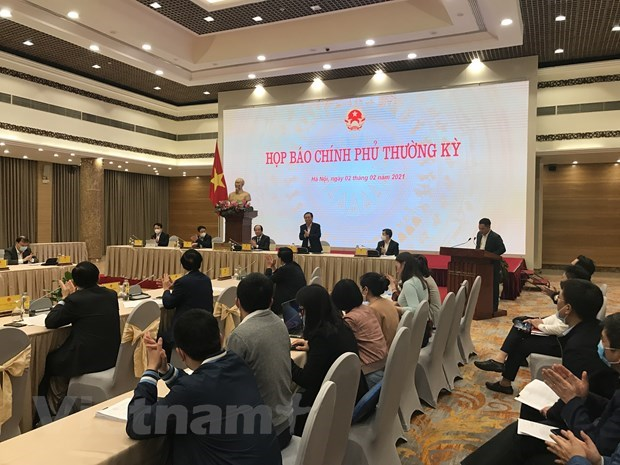 Press conference: PM demands no yielding to challenges hinh anh 1