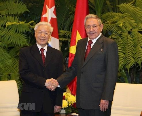 Cuban Party leader congratulates Nguyen Phu Trong on re-election hinh anh 1