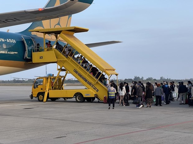 Vietnam Airlines to tighten COVID-19 prevention during Tet hinh anh 1