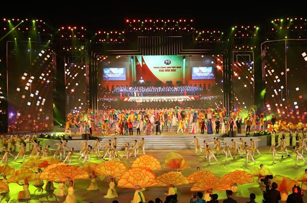 Art programme celebrates 13th National Party Congress hinh anh 1