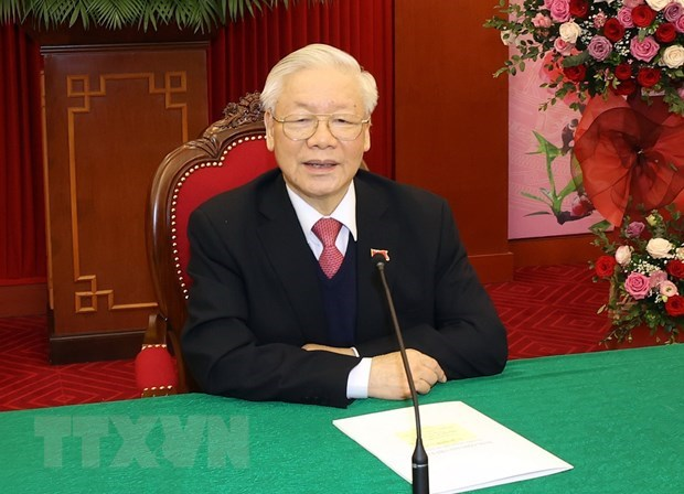 Cambodian leader congratulates Vietnam on success of 13th National Party Congress hinh anh 1