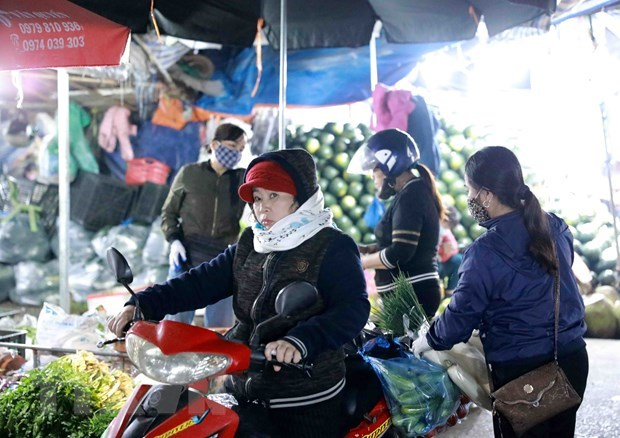Hanoi: Fines of 1-3 million VND imposed for not wearing facemasks in public places hinh anh 1