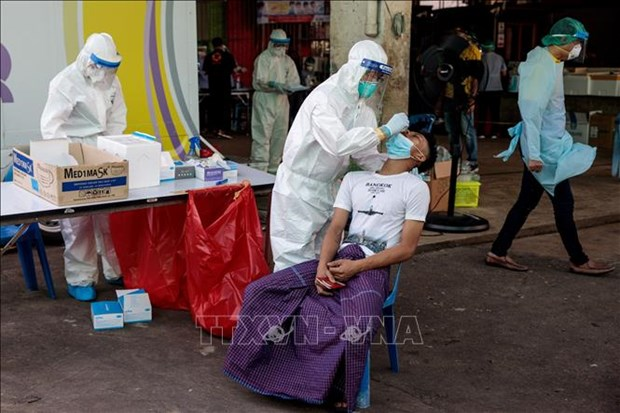 New COVID-19 cases rocket in Southeast Asia hinh anh 1