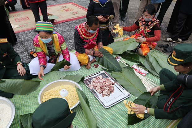 Spring colours featured at National Village for Ethnic Culture and Tourism hinh anh 1