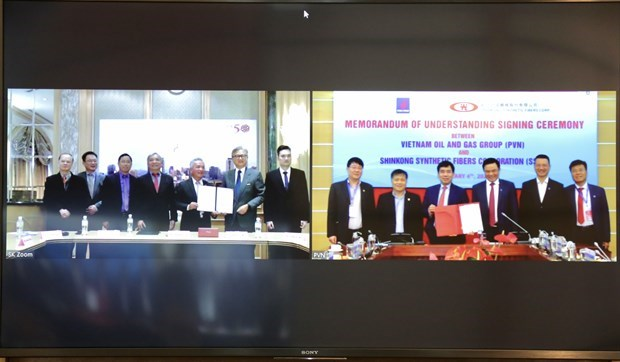 PetroVietnam, Taiwanese fiber producer step up cooperation hinh anh 1