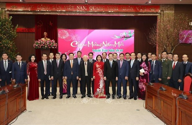 Top leader wishes Hanoi prosperous New Year hinh anh 4