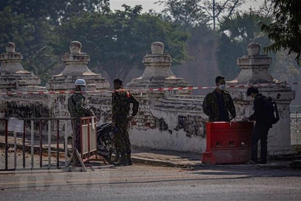 Vietnam backs democratic transition in Myanmar hinh anh 1
