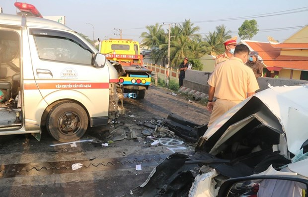 Traffic accidents down in all three criteria during Tet holiday hinh anh 1