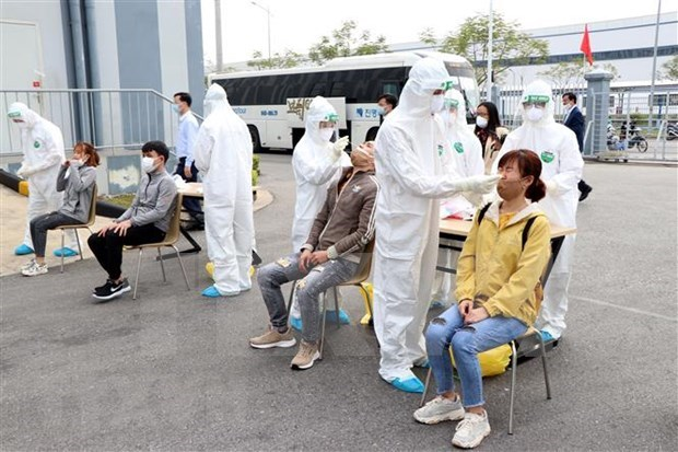 Hai Duong tightens control of quarantine, lockdown areas to stem cross infections hinh anh 1