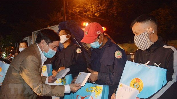 About 8.55 million disadvantaged people receive support to enjoy Tet hinh anh 2