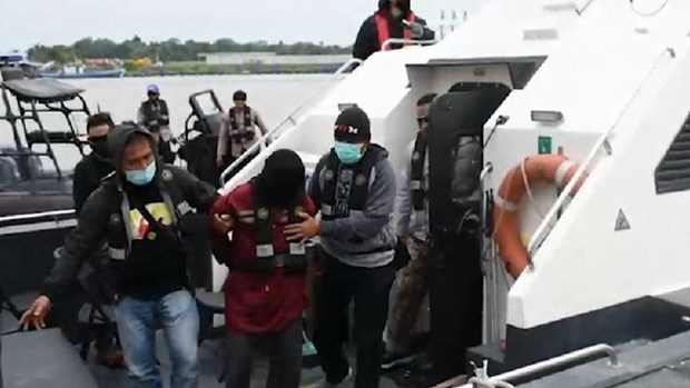 Indonesia arrests three terrorist suspects hinh anh 1