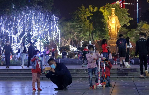Campaign launched to light up Hanoi with competition hinh anh 1
