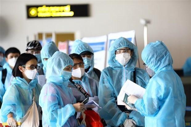 Vietnam considers reopening repatriation flights hinh anh 1
