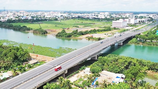 Long An needs around 1.3 billion USD for transport infrastructure development hinh anh 1