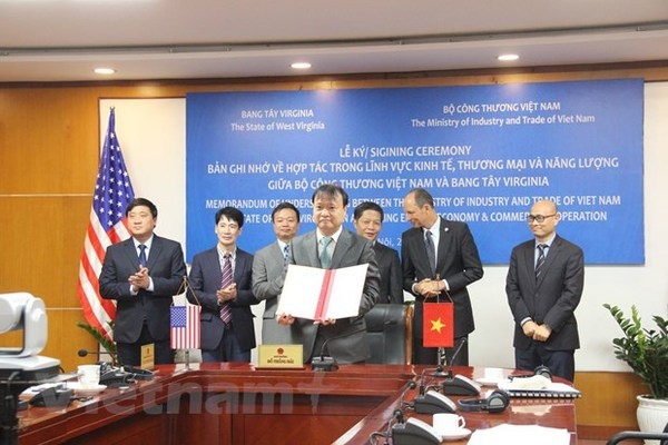 Vietnam, West Virginia bolster bilateral cooperation hinh anh 1