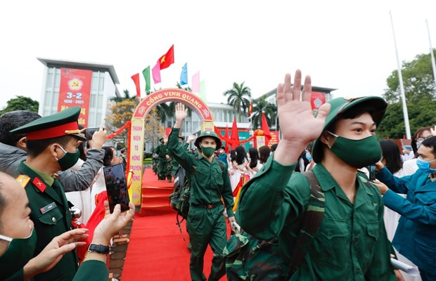 Young people set off for military service hinh anh 1