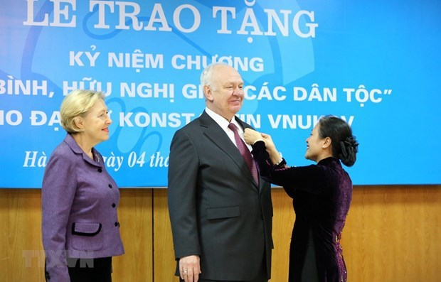Russia attaches importance to strategic partnership with Vietnam in new context hinh anh 2
