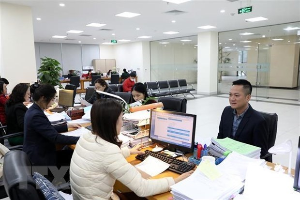 State budget collection tops nearly 9.57 billion USD in first two months hinh anh 1