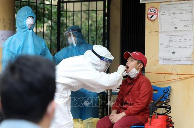 Three imported cases of COVID-19 detected on March 3 morning hinh anh 1