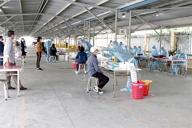 Factories in Hai Duong to conduct routine COVID-19 testing for employees hinh anh 1
