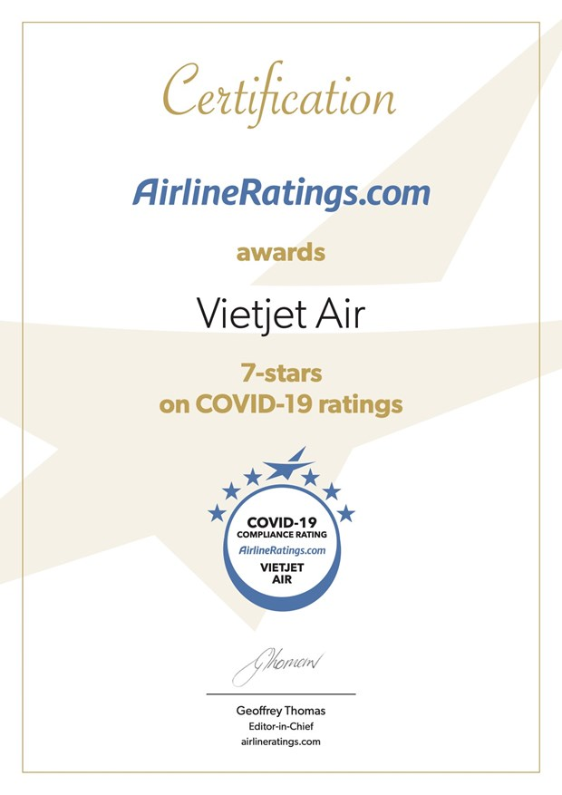 Vietjet certified with highest global rating for COVID-19 compliance hinh anh 2