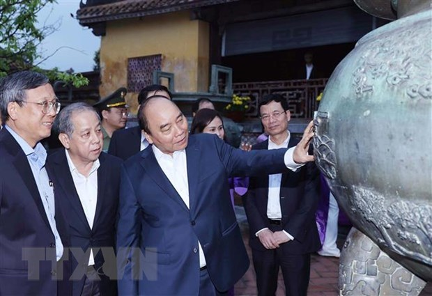 PM urges completion of draft resolution on specific policies for Thua Thien-Hue hinh anh 1