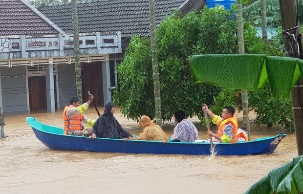 USAID supports flood-affected people in Quang Ngai province hinh anh 1