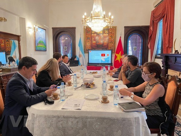Argentinean press updated on Vietnam's political situation, socio-economic affairs hinh anh 1