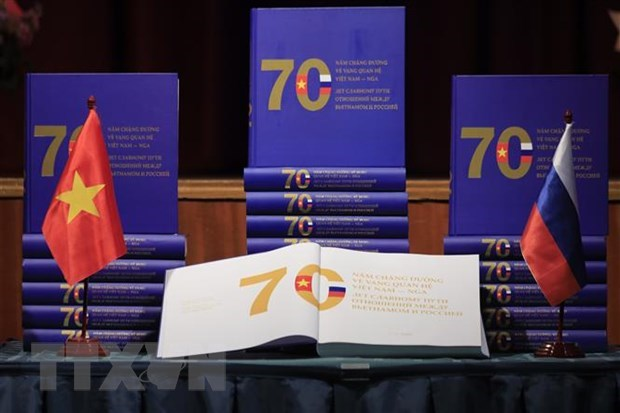 Book on 70-year Vietnam-Russia relations debuts hinh anh 1
