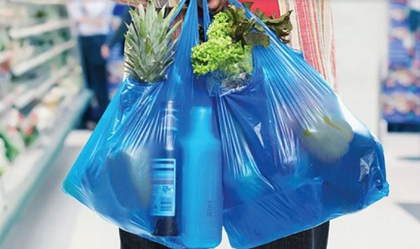 Hanoi needs to take action to reduce plastic waste hinh anh 1