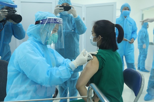 Vietnam begins COVID-19 vaccination on March 8 hinh anh 1