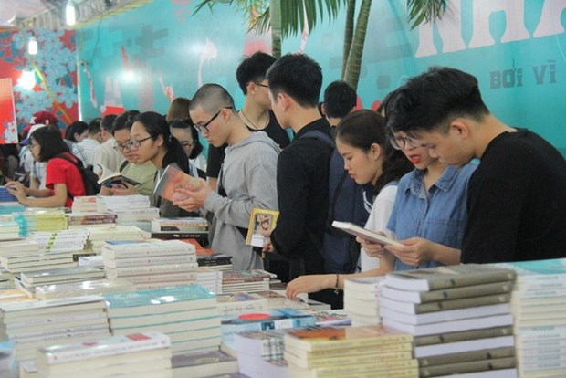 Online festival for book lovers slated for April hinh anh 1