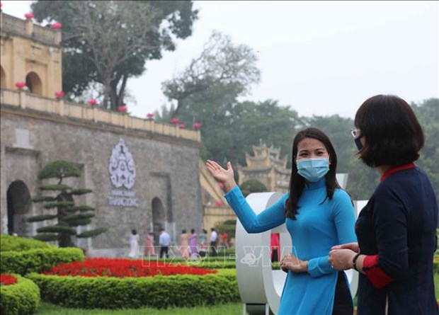 Hanoi relic sites, tourist attractions reopen hinh anh 1