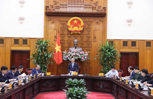 Cabinet permanent members discuss mid-term budget allocation hinh anh 1