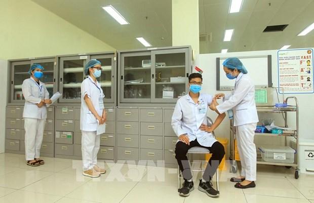 COVID-19 vaccinations underway in Hai Phong, Bac Ninh hinh anh 2