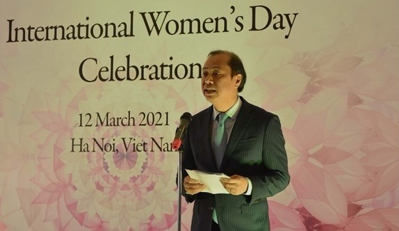 Foreign ministry hosts gathering for female diplomats hinh anh 2