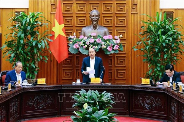 Permanent Cabinet members talk removal of ports along Sai Gon River hinh anh 1