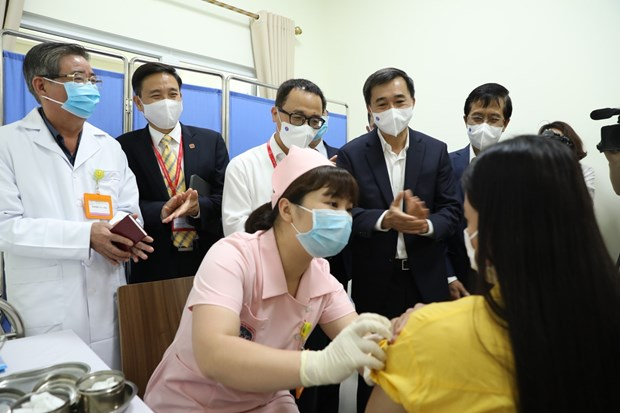 Human trials start on second Vietnam-produced COVID-19 vaccine hinh anh 1