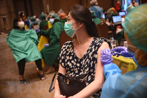 Indonesia plans to purchase 426 million doses of COVID-19 vaccines hinh anh 1