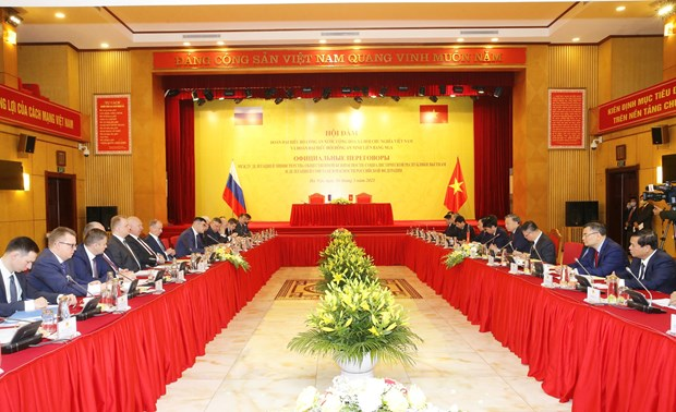 Vietnam, Russia bolster human security cooperation amid COVID-19 hinh anh 2