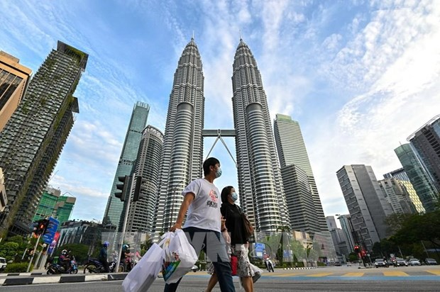 Malaysia aims to achieve high-income status between 2024-2028 hinh anh 1