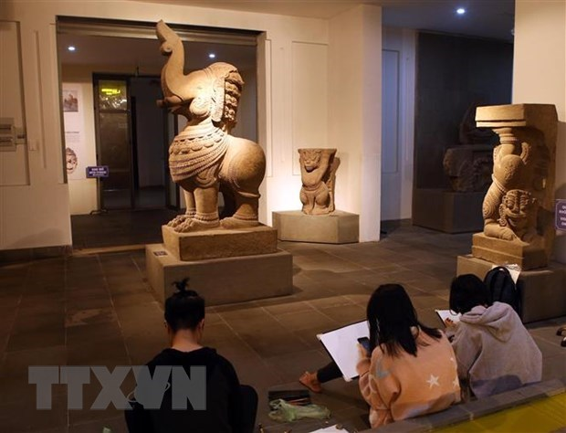 Ministry requests extra efforts to better preserve national treasures hinh anh 1