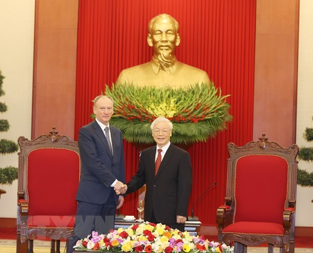 Security-defence cooperation key to Vietnam – Russia partnership: Top leader hinh anh 1