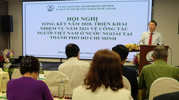 HCM City receives record 6.1 billion USD remittances in 2020 despite pandemic hinh anh 1
