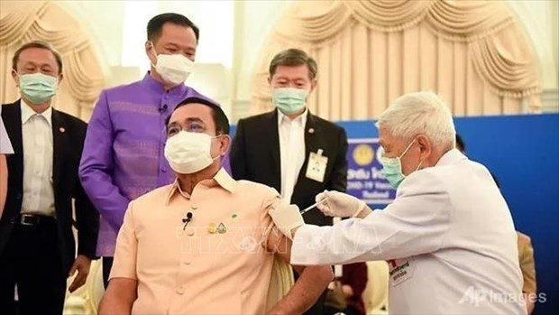 Thailand pins hope on vaccine passports hinh anh 1