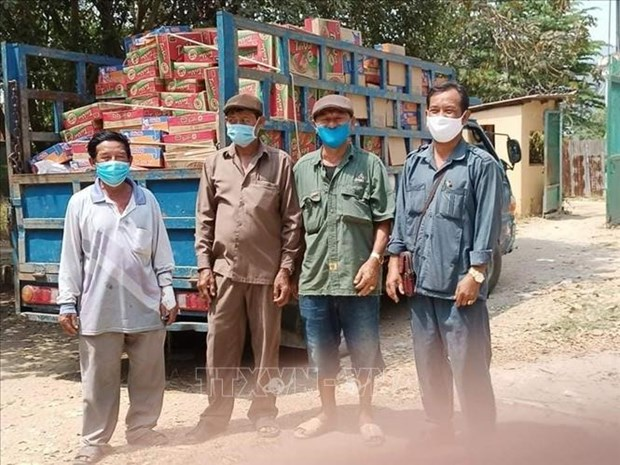 Vietnamese citizens hit by pandemic in Cambodia receive support hinh anh 1