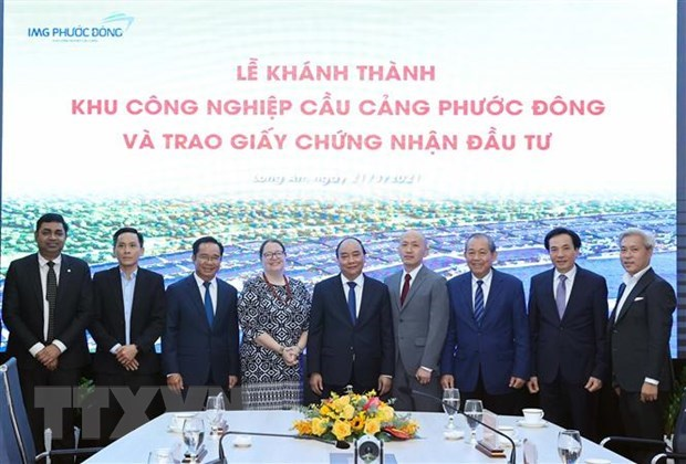 PM attends inaugural ceremony of Phuoc Dong Industrial Park and Port hinh anh 3