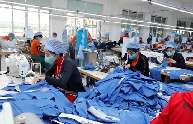 Bangladeshi newspaper analyses Vietnam apparel sector's advantages hinh anh 1
