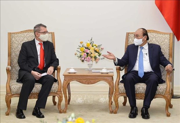 PM receives Austrian Ambassador, AT&S executive hinh anh 1