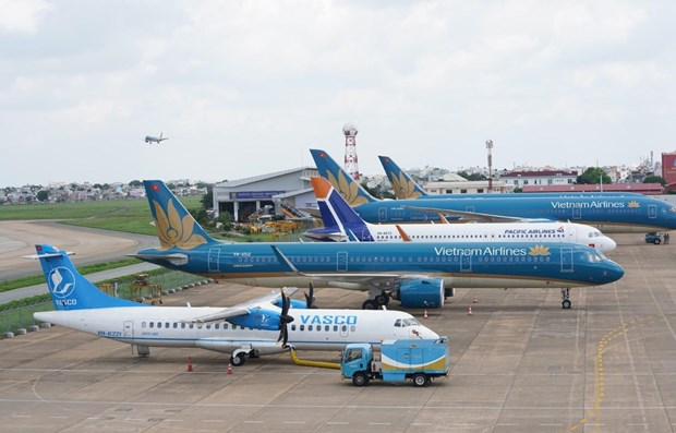 Airlines adding flights for Reunification Day - May Day holiday hinh anh 1